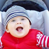 Baby im Kinderwagen aufsetzen – wann ist der richtige Zeitpunkt?